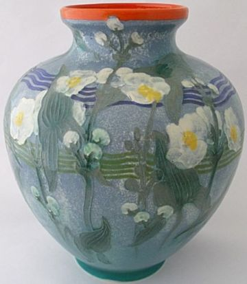 Fine Royal Doulton Pottery Vase Decorated With Flowers